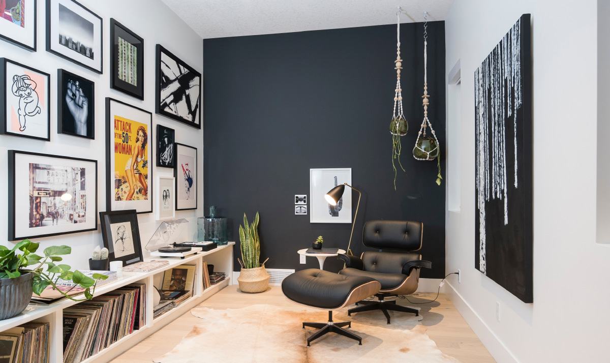 How to figure out which artwork fits in your living room or office